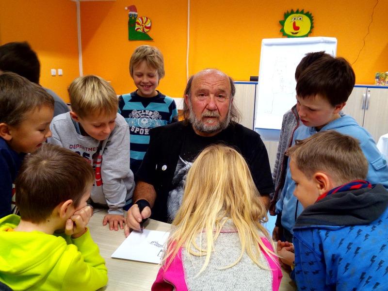 Půjčovna pro děti, Svornosti, ilustrátor Bořek Frýba