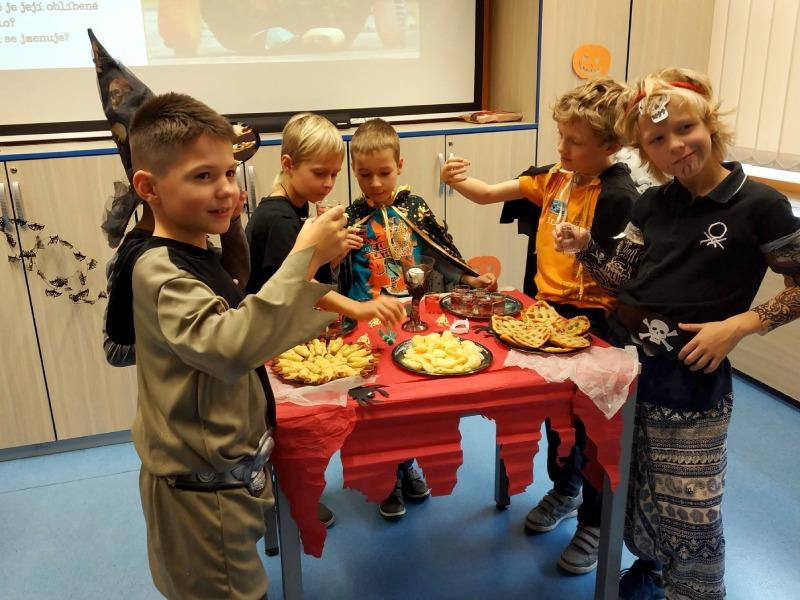 Půjčovna pro děti, Svornosti, Halloween